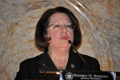 Senator Linda Greenstein, D-Middlesex and Mercer, addresses the State Senate after being sworn in to office.